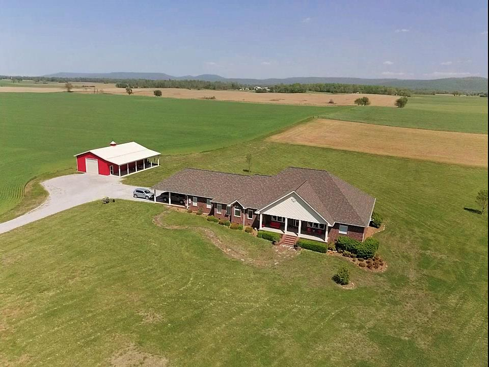 8007 Fountain Grove Rd, Morrison, TN | Listed by Linda O'Brien of Turner Victory Team | $565,000 | MLS # 1926391